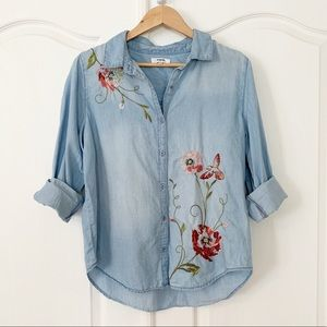 Kensie | Chambray Embroidered Floral Top Sz L